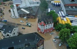 Almanya'da Sel Felaketi: 6 Bina Çöktü, 9 Kişi...