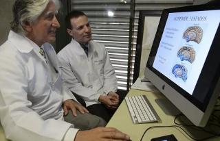 Alzheimer İlacı İlk Defa Bir İnsanın Üzerinde...