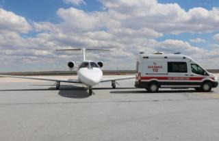 Ambulans uçak, kalp rahatsızlığı bulunan yeni...