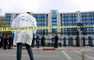 Anadolu Adalet Sarayı Önünde Silahlı Kavga: 2'si...