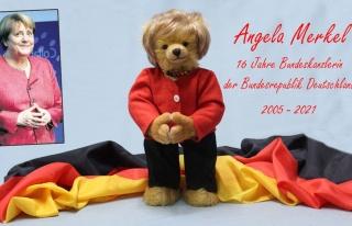 Angela Merkel'in anısına 'oyuncak ayı' yapıldı