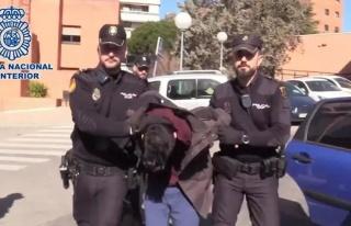 Annesini Öldürüp Cesedini Yiyen İspanyol'a 15...