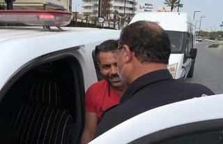 Antalya'da Ceza Yazılan Vatandaş Polisten Makas...