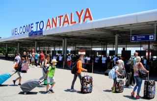 Antalya'ya 7 ayda 2 milyondan fazla turist geldi