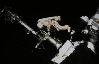 Astronotlar Uluslararası Uzay İstasyonu'nda uzay...