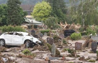 Avrupa, sel felaketiyle boğuşuyor! 5 ülkede hayatını...