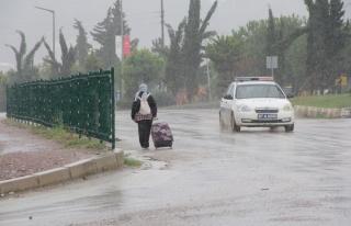 Ayancık'ta kuvvetli yağış: Metrekareye 33 kilo...