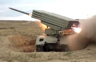 Azerbaycan dün gece imha edilen füze sistemiyle...
