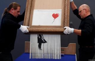 Banksy'nin Müzayede Sonunda 'Parçalanan' Eseri Yeniden...