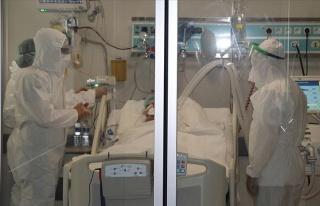 Başhekim Koronavirüs Hastalarını Öldürmekten...