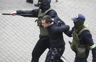 Belarus'ta Olaylar Durulmuyor: Bir Göstericinin Ölümüyle...