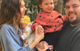 Berfu Yenenler'den aile pozu