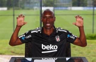 Beşiktaş'ta 4 imza!