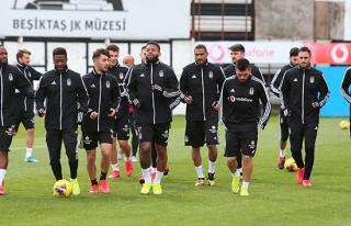 Beşiktaş'ta futbolculara mesaj gitti: 'Evden çıkmayın'