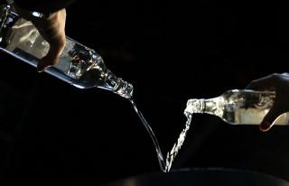 Bilim Kurulu Üyesi de Alkol Yasağına Tepki Gösterdi:...
