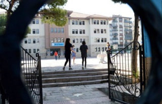 Bilim Kurulu üyesi İlhan'dan okul açıklaması