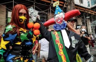 Brezilya'da göstericiler Bolsonaro'nun görevden...