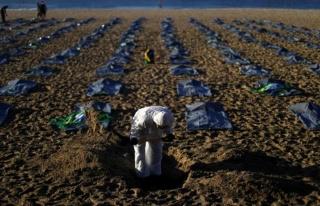 Brezilya'nın Copacabana plajında ceset torbaları...
