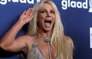 Britney Spears özgürlüğü için nihayet kendi...