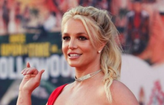 Britney Spears seksi paylaşımlarıyla sosyal medyanın...
