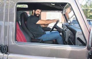 Burak Özçivit'in arabası da karizma