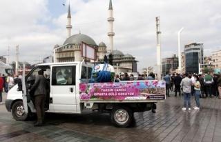Cami Açılışı Öncesi Taksim'e 25 Ton Gül Suyu...