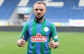 Çaykur Rizespor'dan transfer! İki yıllık imzaladı