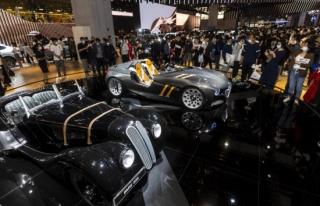 Çin'deki otomobil fuarında otonom araçlar öne...