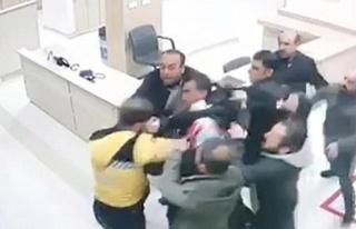 Diyarbakır'da, hasta yakınlarının sağlık çalışanına...