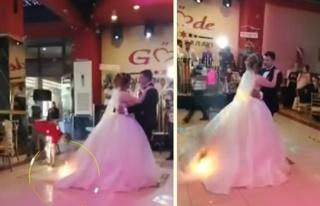 Düğünün İlk Dansını Yaparken Gelinliği Alev...