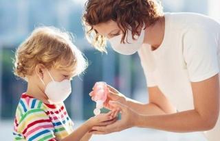 Ebeveynler merak ediyor: Corona virüsü çocukları...