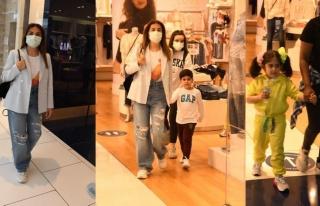 Ebru Yaşar çocuklarıyla görüntülendi