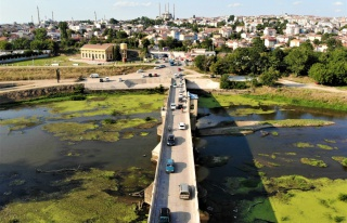 Edirne'de seviyesi düşen nehirlerde adacıklar...