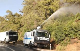 EGM'den Açıklama: Yangın Söndürmede TOMA'lar...