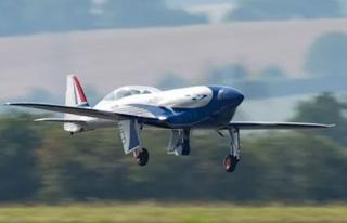 Elektrikli Rolls-Royce uçağı uçtu!