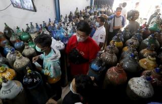 Endonezya'da hastanede oksijen faciası: 63 ölü