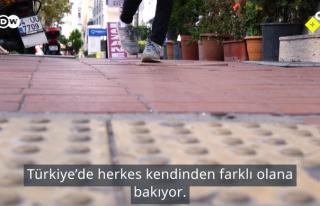 Engelli Olmak: Türkiye'de Engelli Olmak Nasıl Bir...