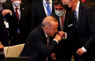 Erdoğan'ın Danışmanı Financial Times'a Tepki...