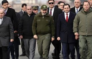 Ermenistan Savunma Bakanı David Tonoyan görevinden...
