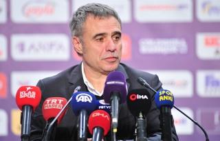 Ersun Yanal: 'Oynanan oyundan memnun değilim'