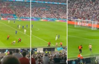 EURO 2020 Finalinde Sahaya Giren Taraftar Zar Zor...