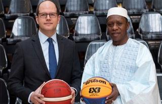 FIBA Başkanı Niang ve Genel Sekreter Zagklis'den...