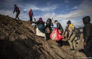 Günde Bin Kişi Sınırı Geçiyor: Afganistan'dan...