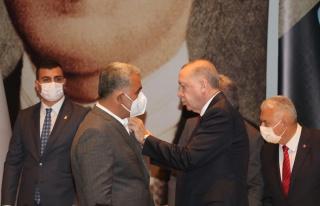 HDP'den İstifa Eden Belediye Başkanı AKP'ye Katıldı,...