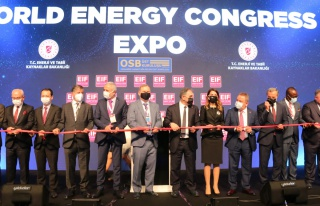 Hedef güneş enerjisi ile Türkiye'ye 3 bin 500 megavatlık...