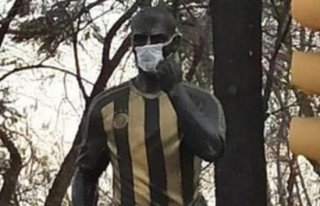 Heykeline maske takılan Alex'ten teşekkür