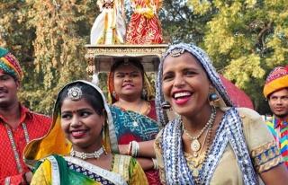 Hindistan'da Sosyalizm evleniyor! Düğüne ağabeyleri...