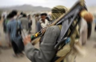 Husiler Suudi Arabistan'ın Cazan bölgesindeki askeri...