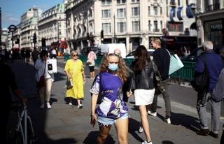 İngiltere'de aşılama sonuç veriyor! Maske takma...