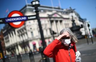 İngiltere 'Frene Bastı': Vakalar Artınca Normalleşme...